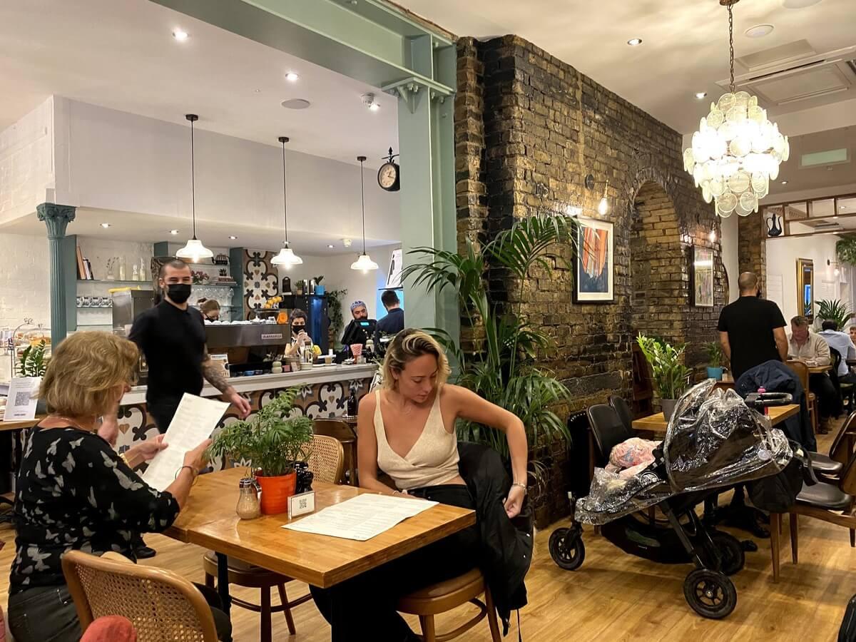 ロンドン カフェ BEAM